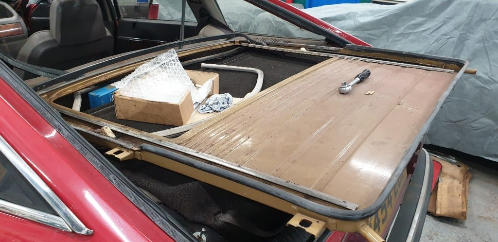 Replacing headlining on a Rover SD1 Vitesse